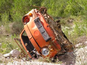 733208_wrecked_car.jpg